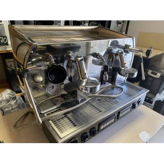 Профессиональная кофеварка La Nuova Era